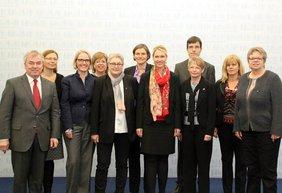 Vorstandsfrauen mit BMin Schwesig