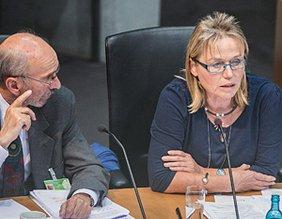 Hannelore Buls Hannelore Buls am 24. September vor dem Bundestagsausschuss für Gesundheit